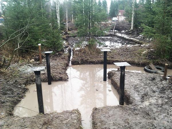 Фундамент на болотистой почве 1