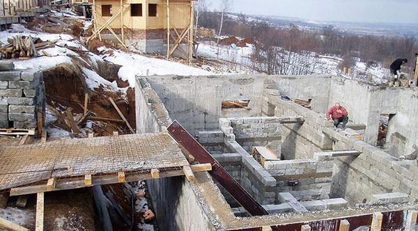 Строительство цокольного этажа частного дома своими руками 5