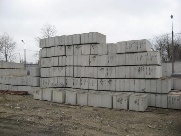 Сколько стоит монтаж фундамента из блоков ФБС 3