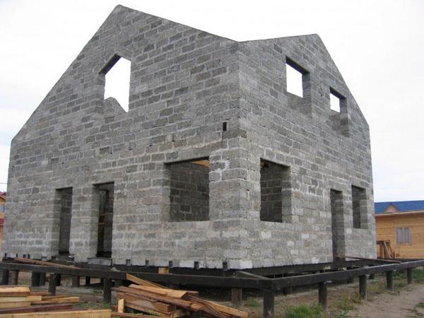 Устройство фундамента под кирпичный дом на винтовых сваях 5